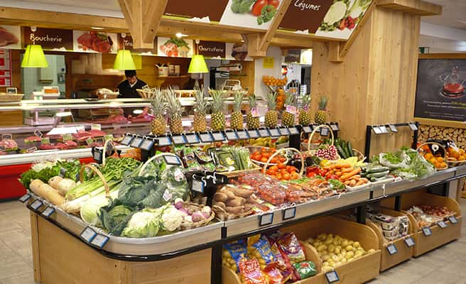 Sherpa supermarket Tignes - le lac rayon fruits and vegetables