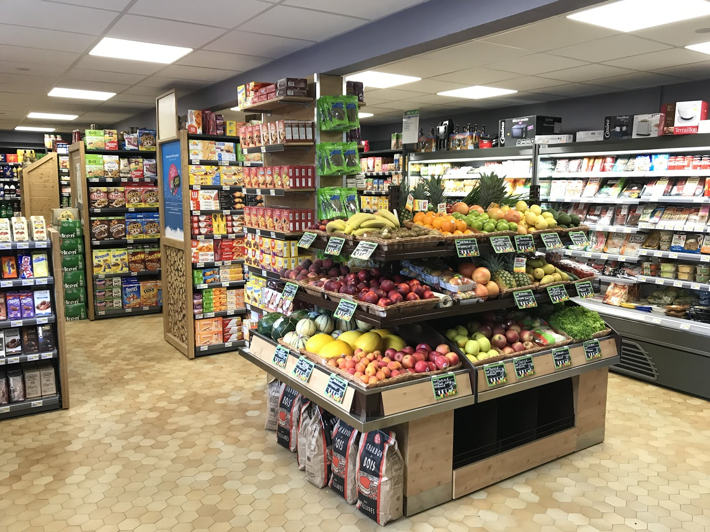 Sherpa supermarket Contamines-Montjoie (Les) - hameaux du lay fruits and vegetables