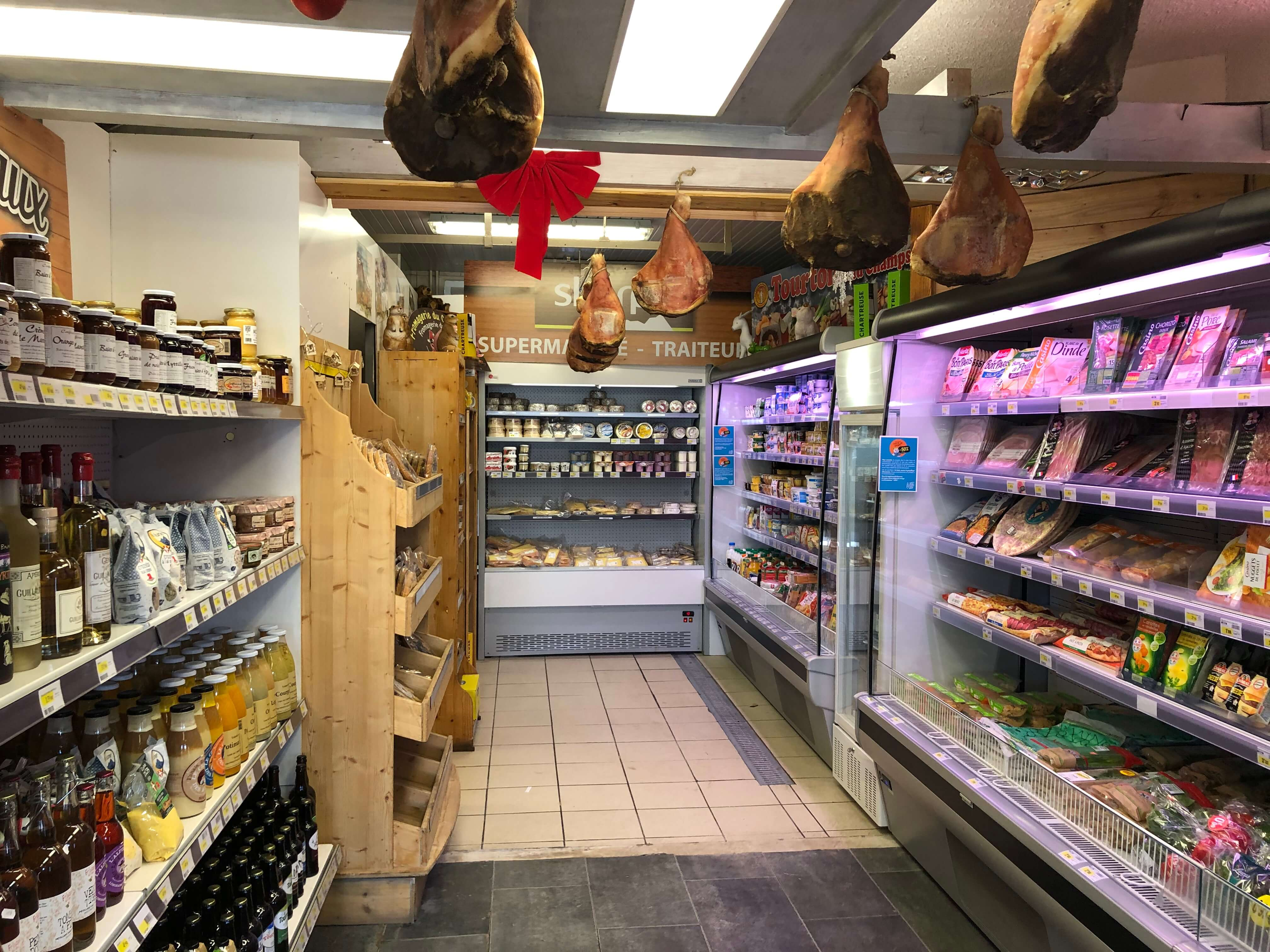 Sherpa supermarket Orcières 1850 shelves with dry ham