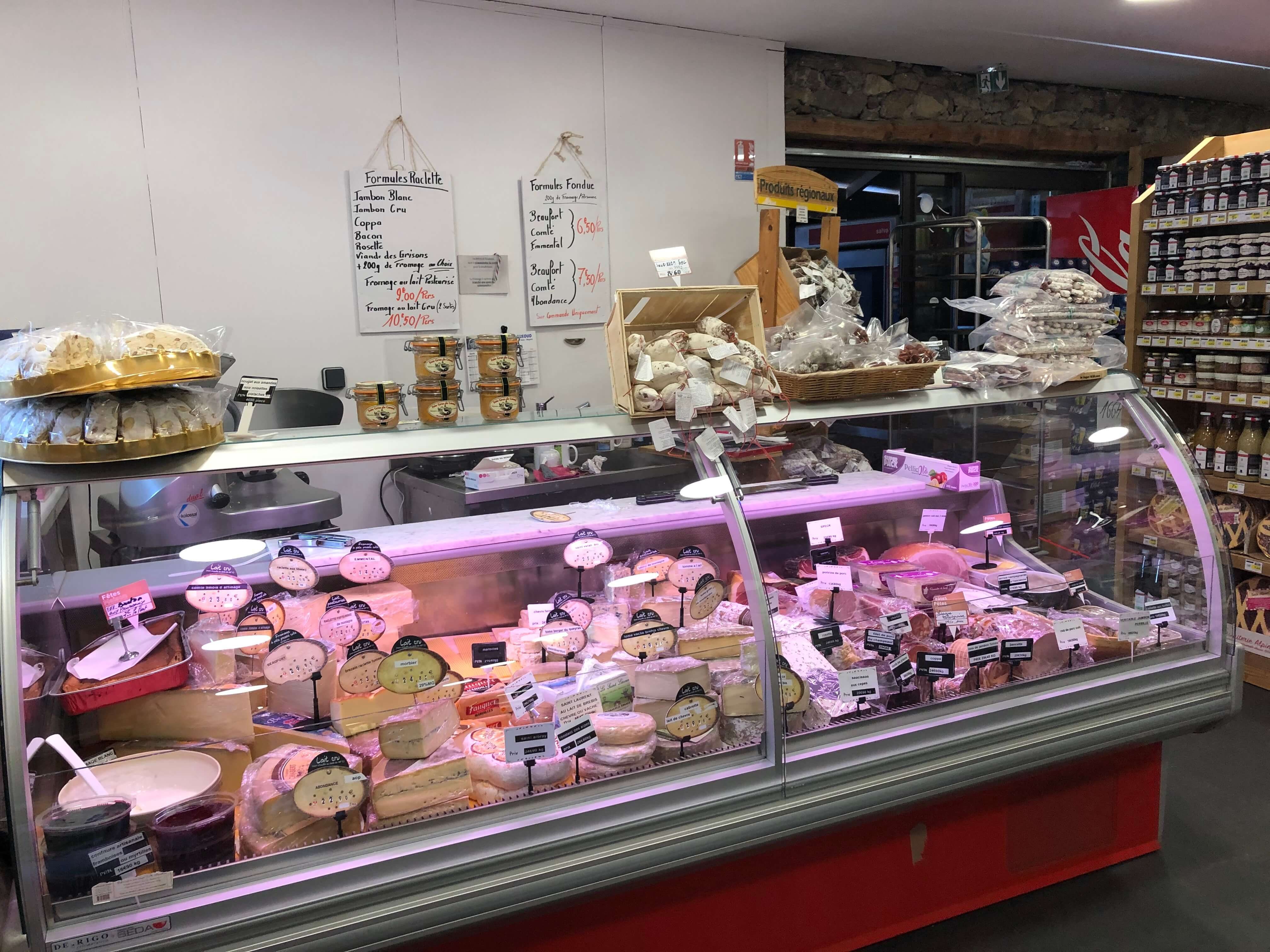 Sherpa supermarket Puy Saint Vincent 1400 cheese and butcher