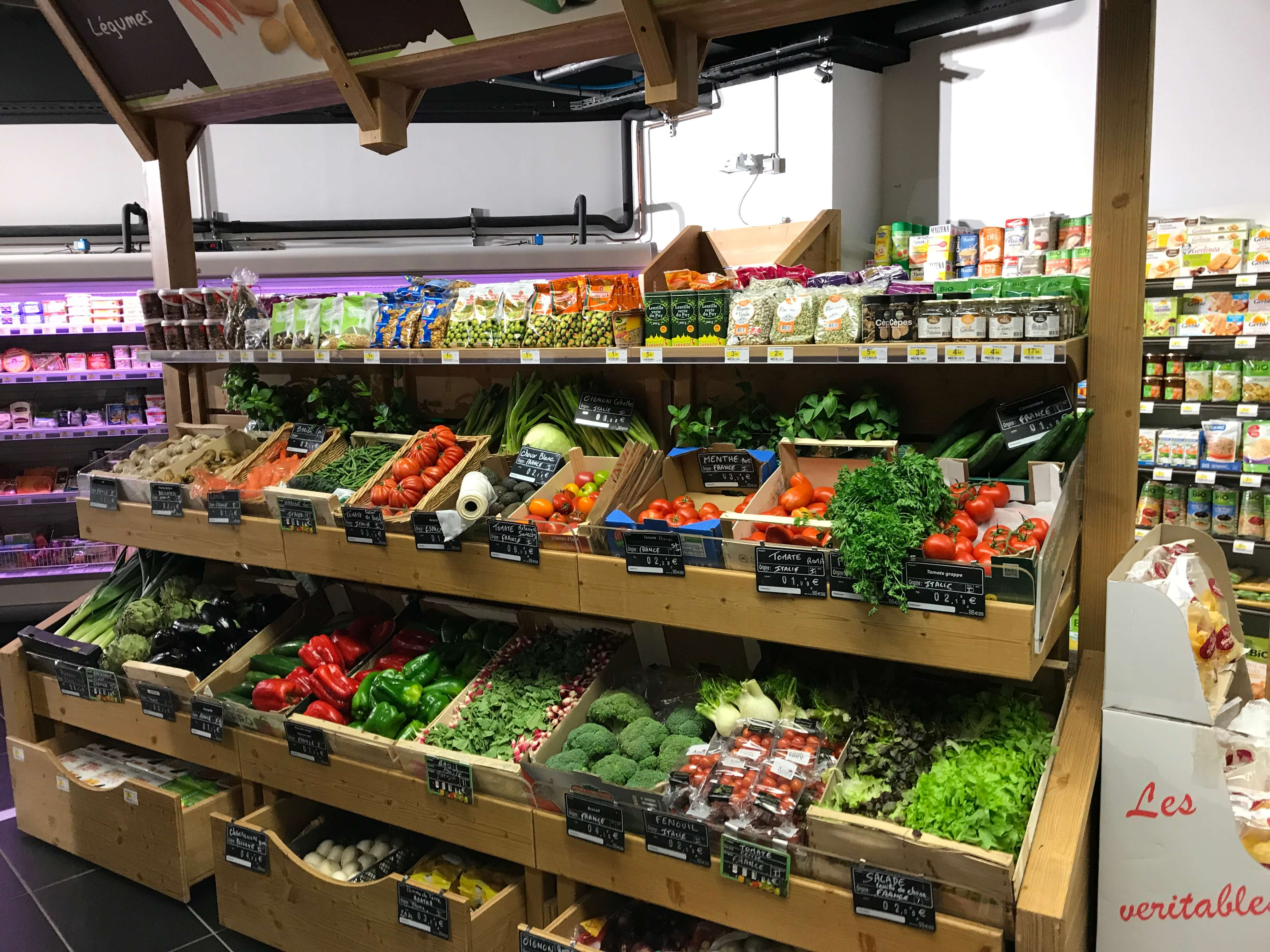 Sherpa supermarket Serre Chevalier 1350 rayon fruits and vegetables