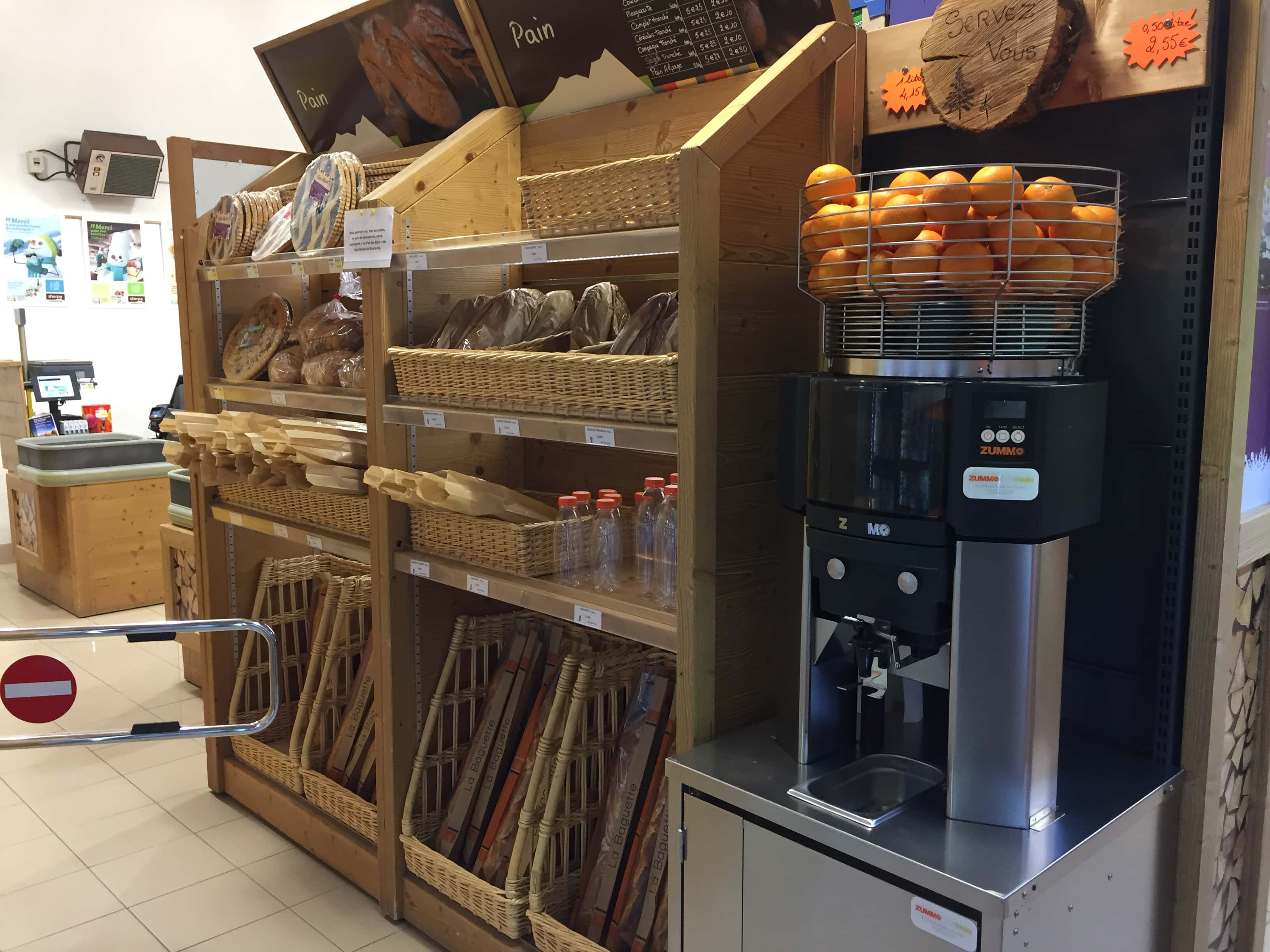 Sherpa supermarket Valfréjus bakery and orange press