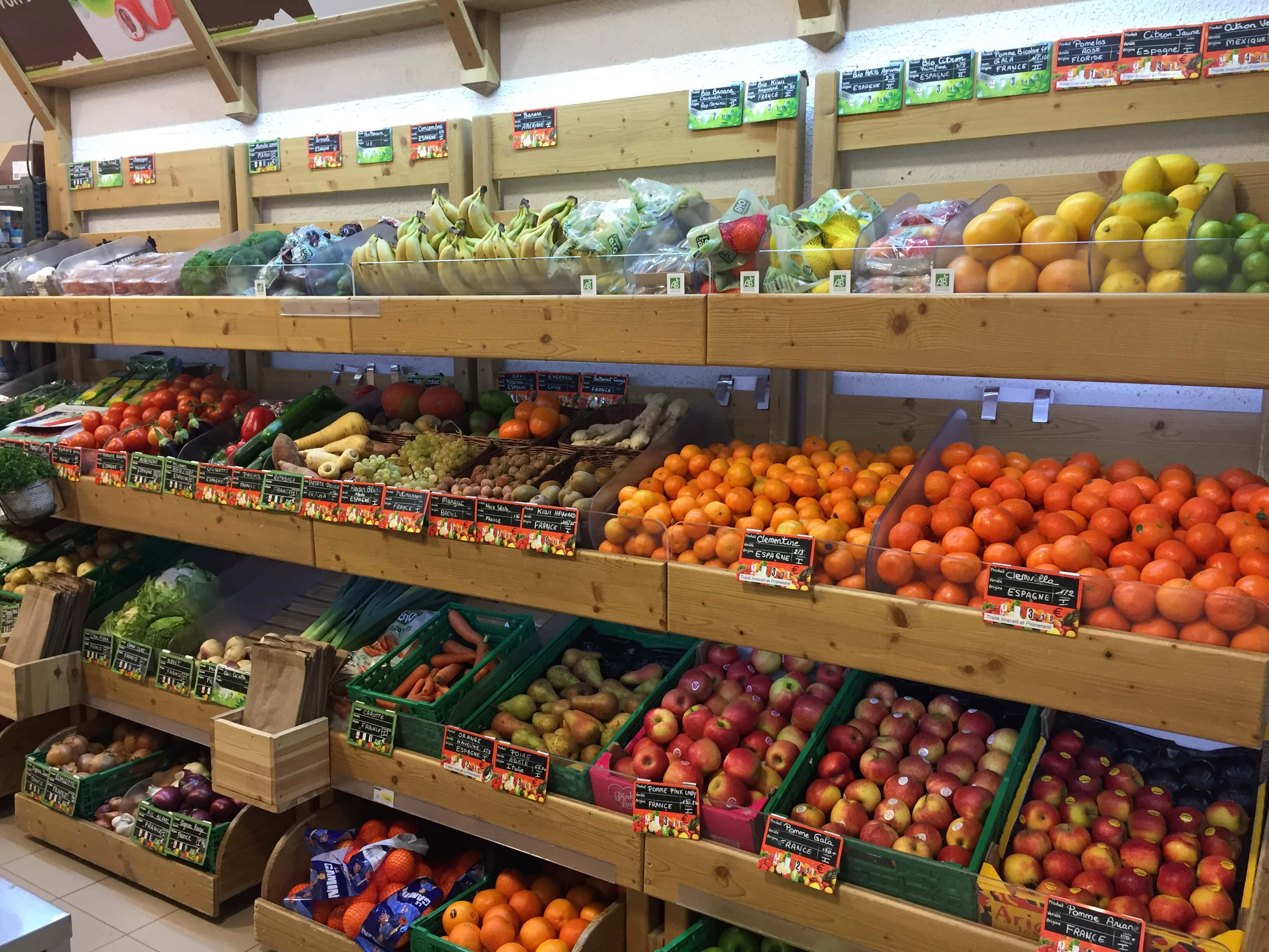 Sherpa supermarket Valfréjus fruits and vegetables