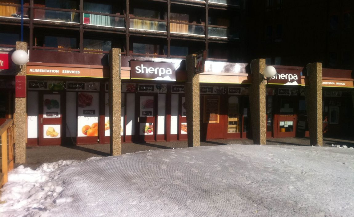 Sherpa supermarket Arc 2000 entrance