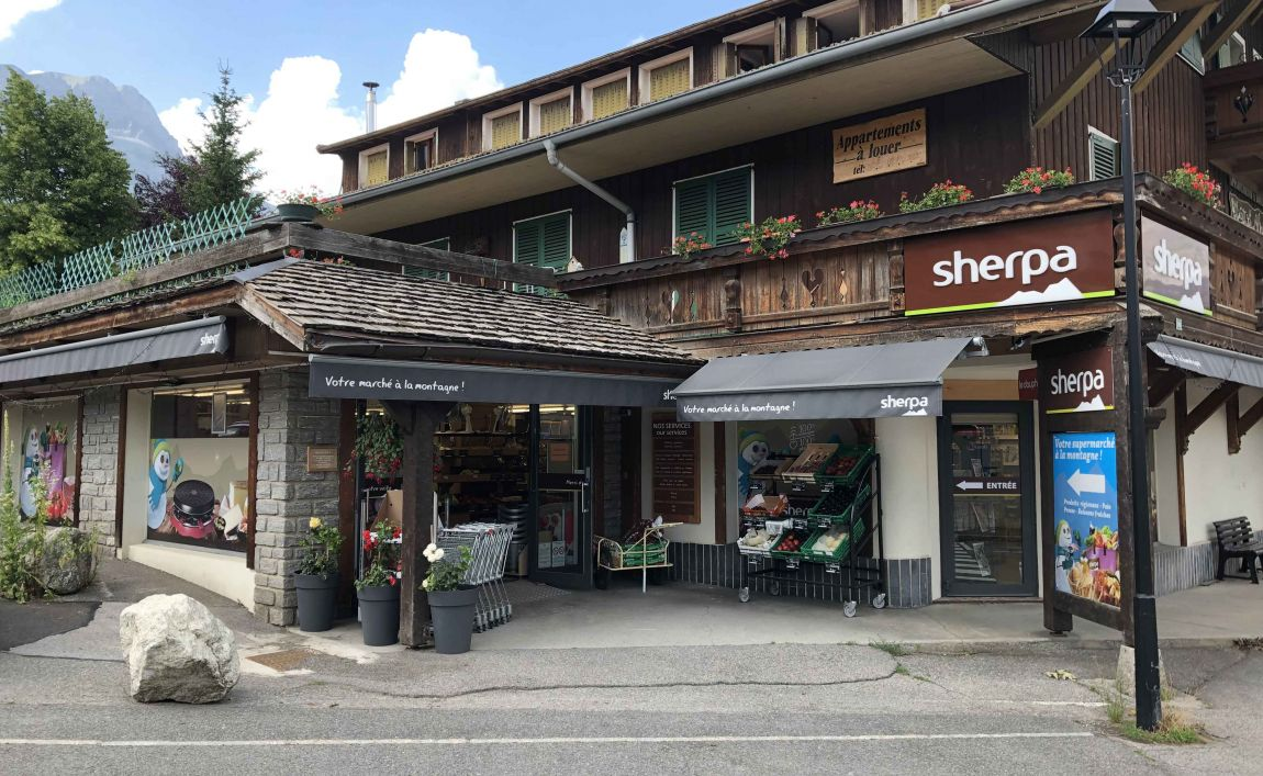 Sherpa supermarket Cordon entrance